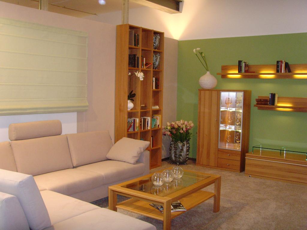 Grün gestrichenes Wohnzimmer Hugo Groll Malerbetrieb Bochum
