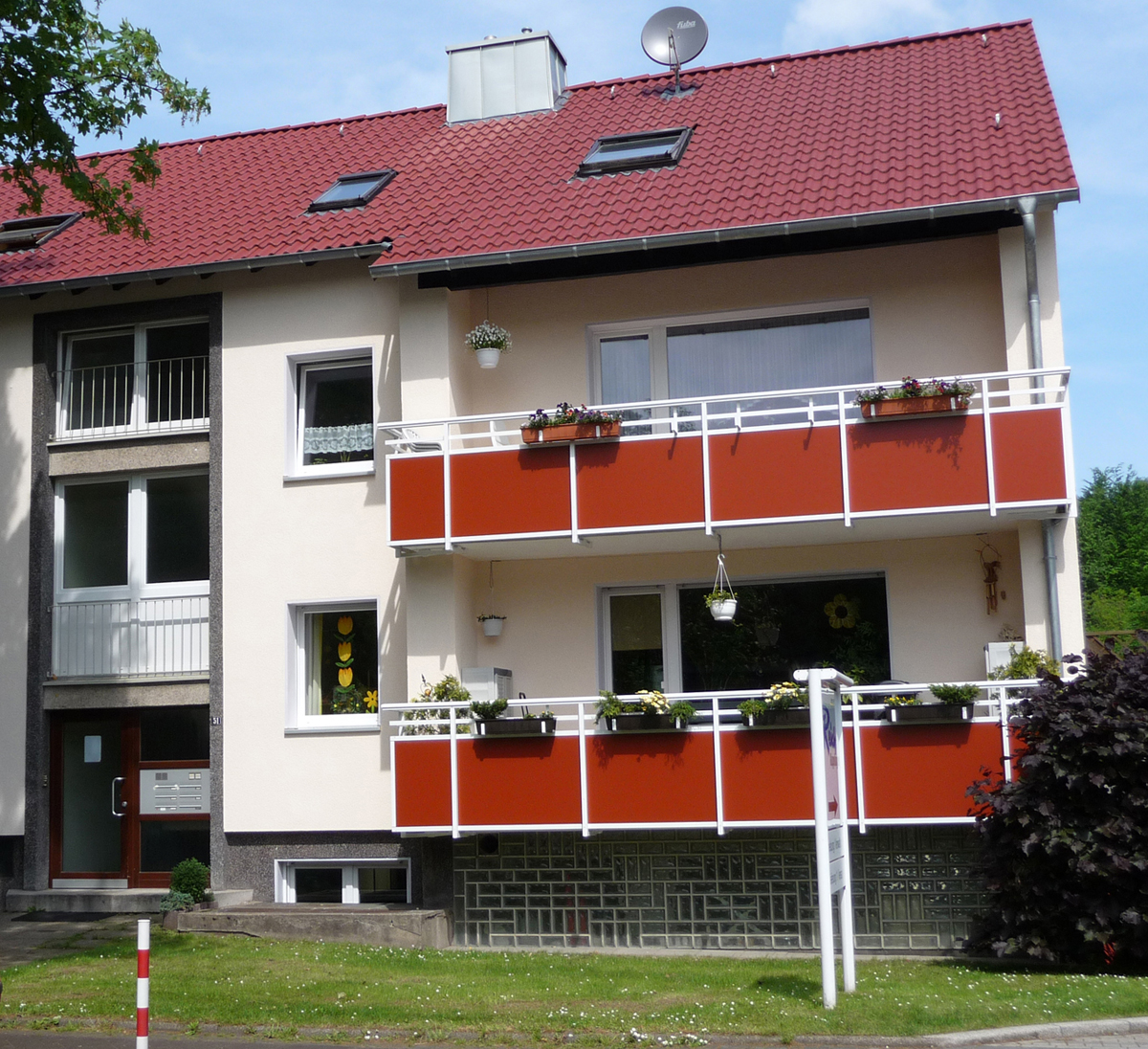 Fassade mit Balkon Hugo Groll Malerbetrieb Bochum